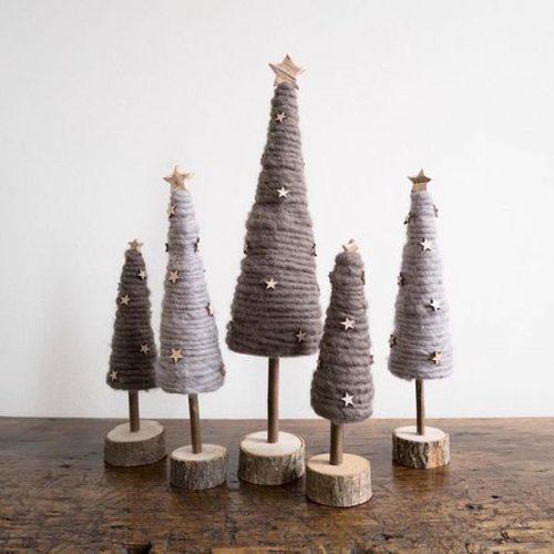 Kalėdinė dekoruota eglutė