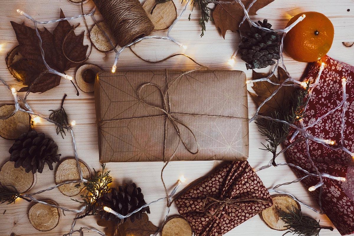 Kaip papuošti kalėdines dovanas