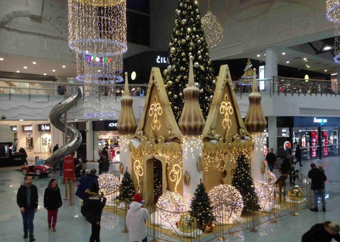 Kalėdų namelis Megoje