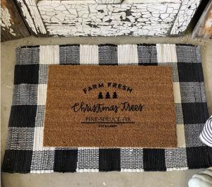 Kalėdiniai durų kilimėliai