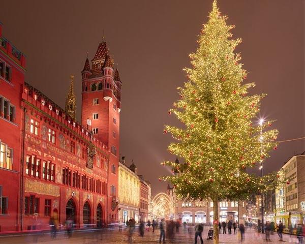 Bazelio kalėdinė eglė